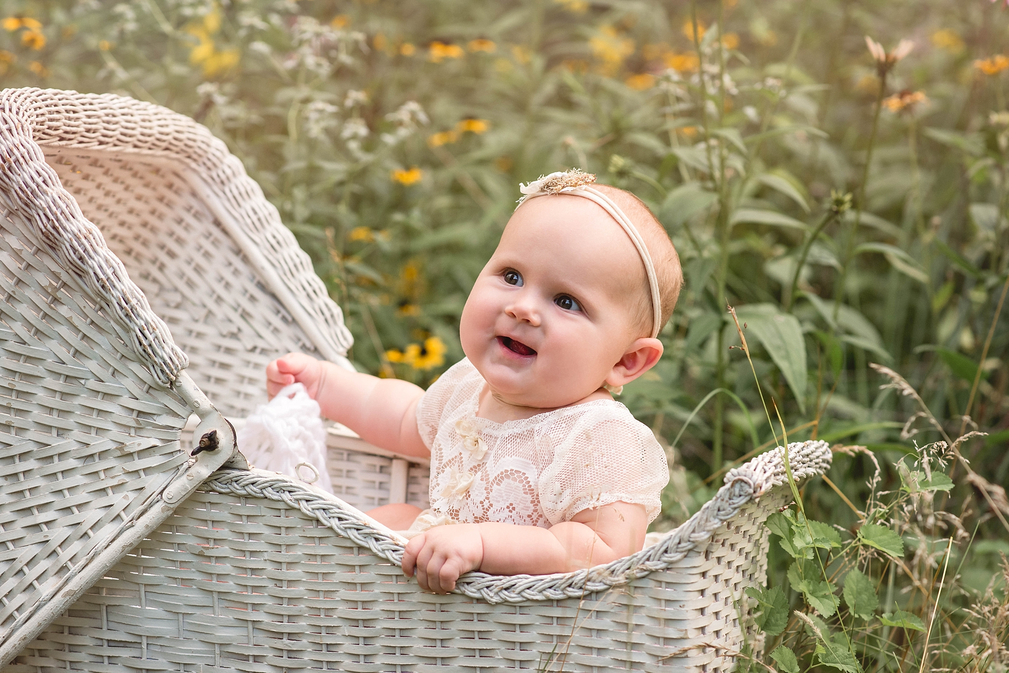 Centerville Ohio Outdoor Photographer – Baby Brooklyn {sitter}
